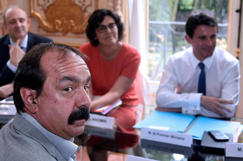 Η μάχη της επικοινωνίας στη Γαλλία